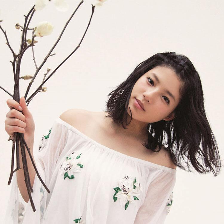 ふわふわガール・石井杏奈が気合を入れたい日に選ぶもの [ViVi]|JOSEISHI.NET|講談社