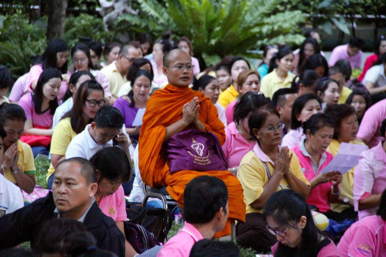 【タイ旅行に備えて】プミポン国王崩御後のバンコク最新情報  [FRaU]