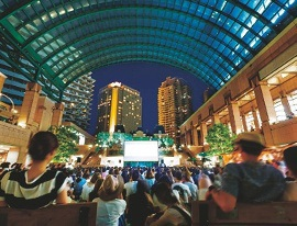 恵比寿ガーデンプレスで野外映画を観賞