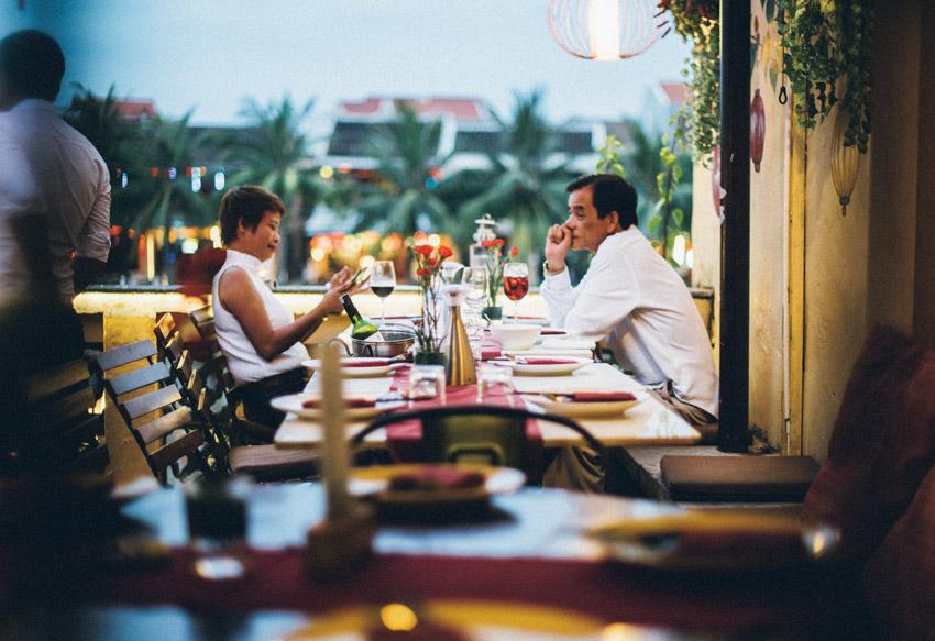 料理と絶景を堪能!最高の瞬間を過ごすベトナムのレストラン [FRaU]
