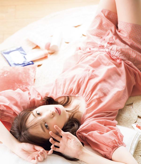 聡子BEAUTY「お手入れが面倒くさいときは、お手軽コスメのズボラ美容に頼っちゃえ!」 [with]