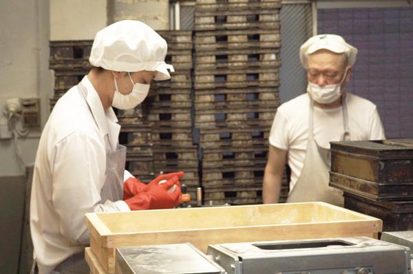 知ってる人は知っている、日本で一番美味しい⁉ ペリカンパンのおはなし [with]