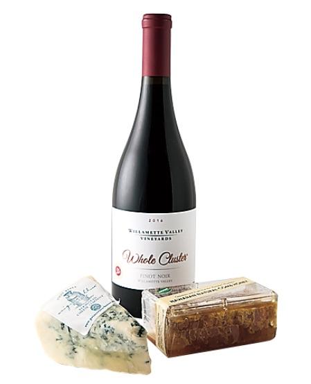 チーズ×ワインの絶妙な ペアリングも見せちゃうよ