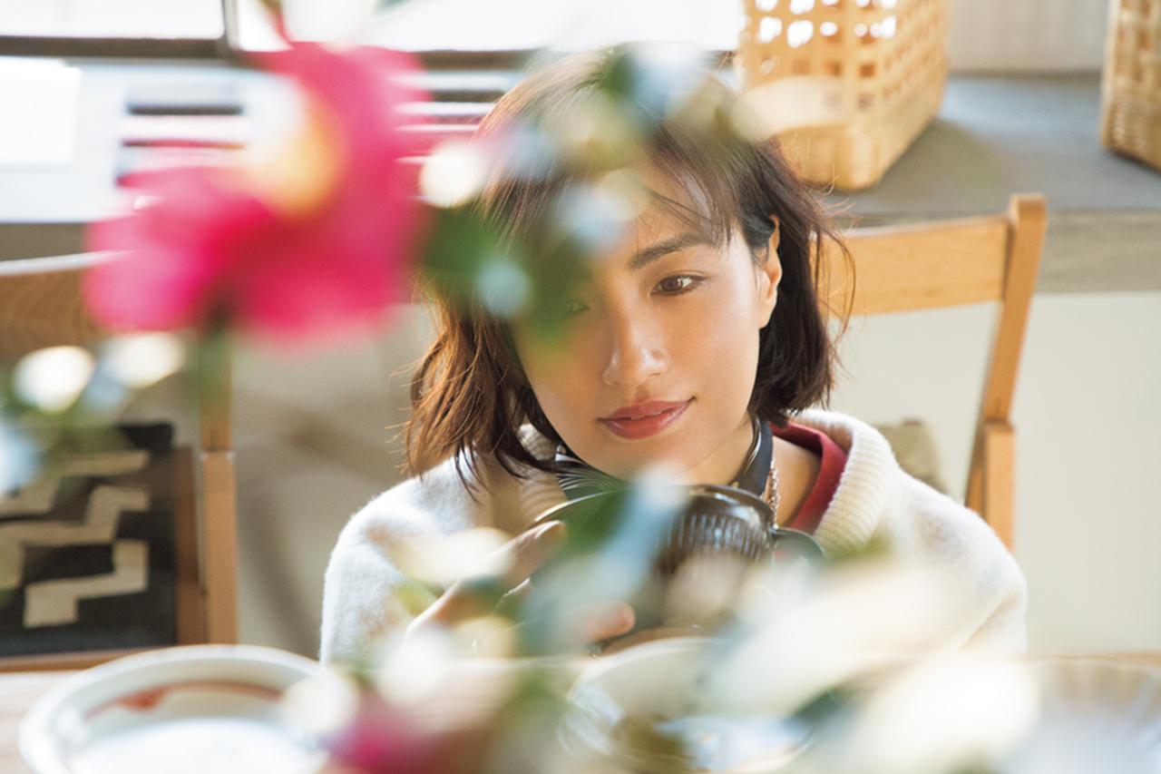 佐田真由美さんが福岡で買った「暮らしの道具」を拝見 [FRaU]