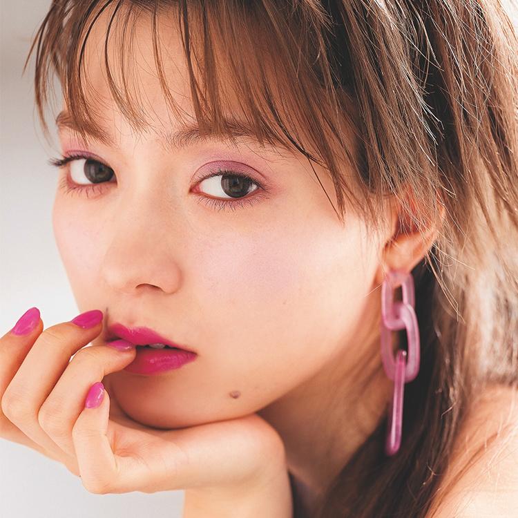 ピンクよりも色っぽ可愛い♡春メイクの注目カラーは断然パープル! [ViVi]
