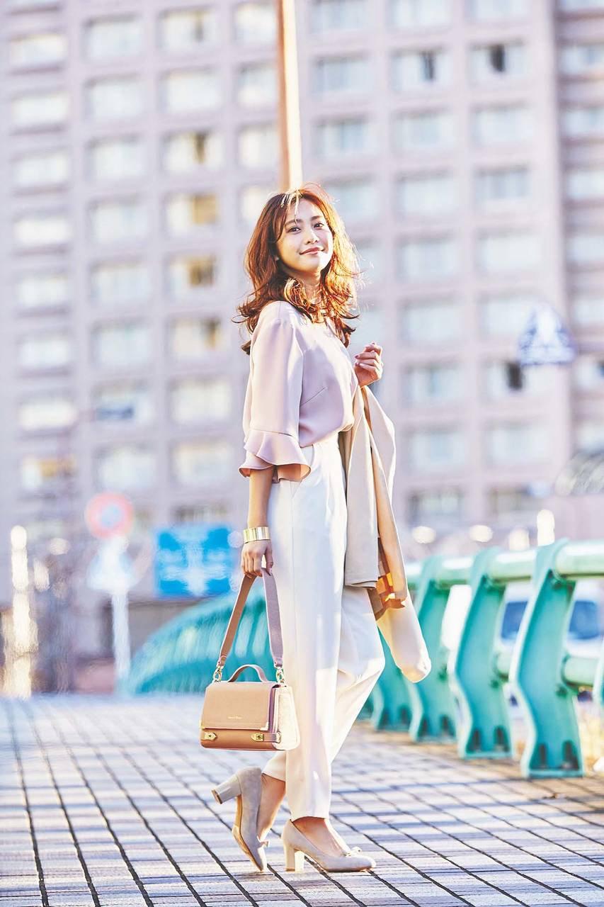 """男子の憧れ♡""""きれいなお姉さん""""は、「クロップトパンツ」で叶える!! [with]"""