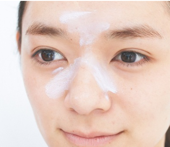 How to Make-up? ❶ パープル下地で 透明感を