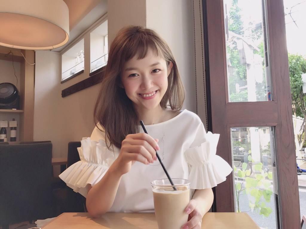 愛妻コンサルタント・萩中ユウ『恋愛のしかたを忘れた女』 [with]
