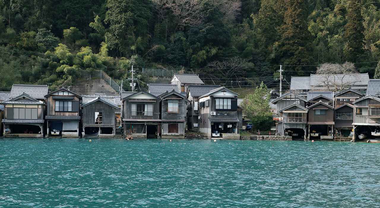 【流行予想】日本一海に近い街、伊根の舟屋を満喫する[FRaU]