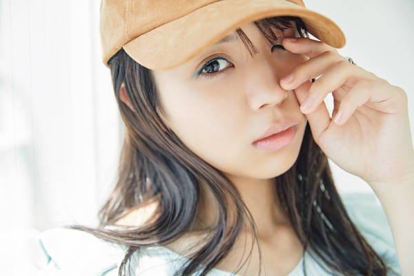 【欅坂46・小林由依】オトナのカラーライナーは隠しながら見せる [with]