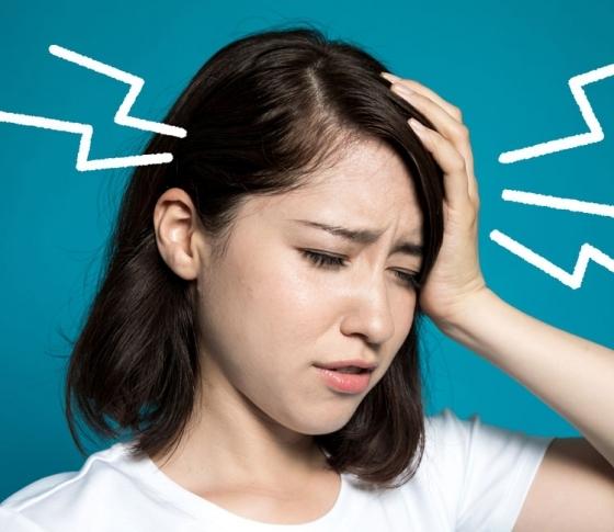 なぜ頭痛に悩む女性は多いの? メカニズムと解消法が知りたい [VOCE]