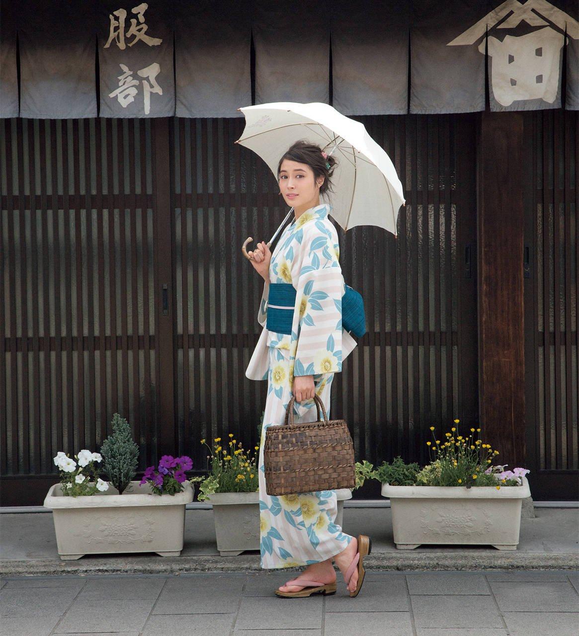 【広瀬アリス】この夏のお気に入り浴衣を見つけよう! [with]