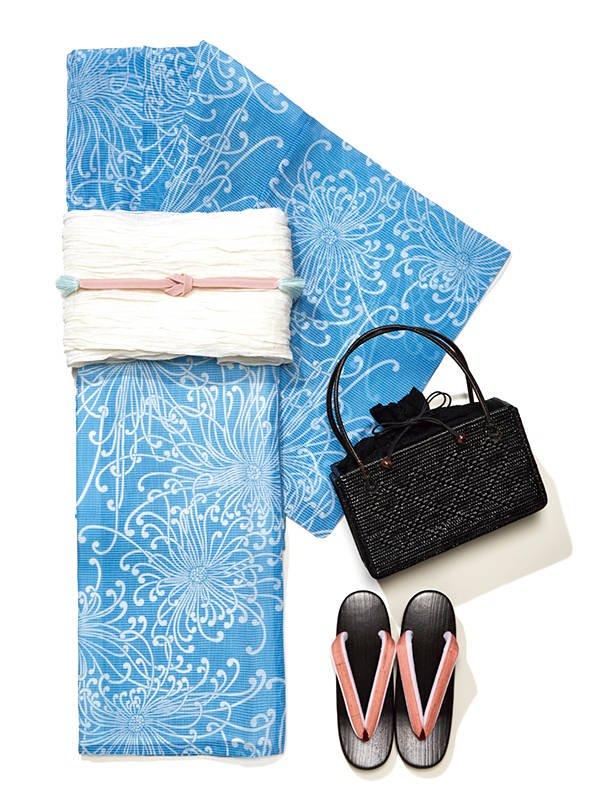 ●大人っぽい乱菊柄の浴衣は、紅梅という風通しの良い素材使いもポイント。