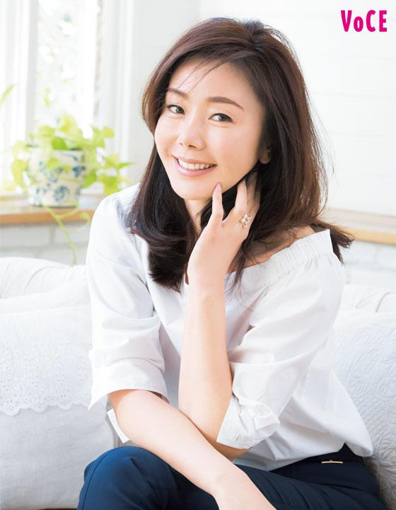 人気美容家【山本未奈子】さんの美肌の秘訣!オイル美容のすすめ [VOCE]