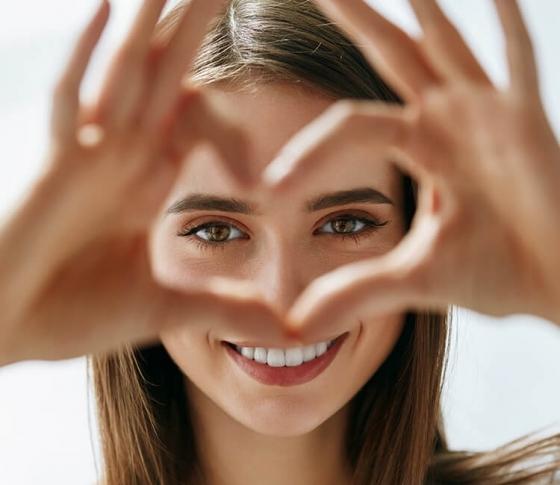 三白眼はチャームポイント。涼しげアンニュイ美人になる方法 [VOCE]