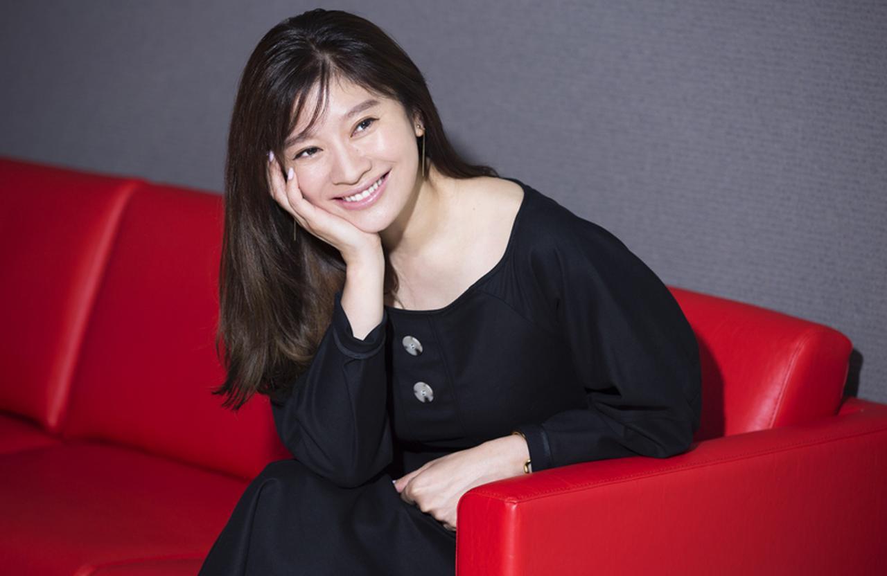 篠原涼子「45歳。やったことがないことに挑戦するのが今の私には必要」 [FRaU]