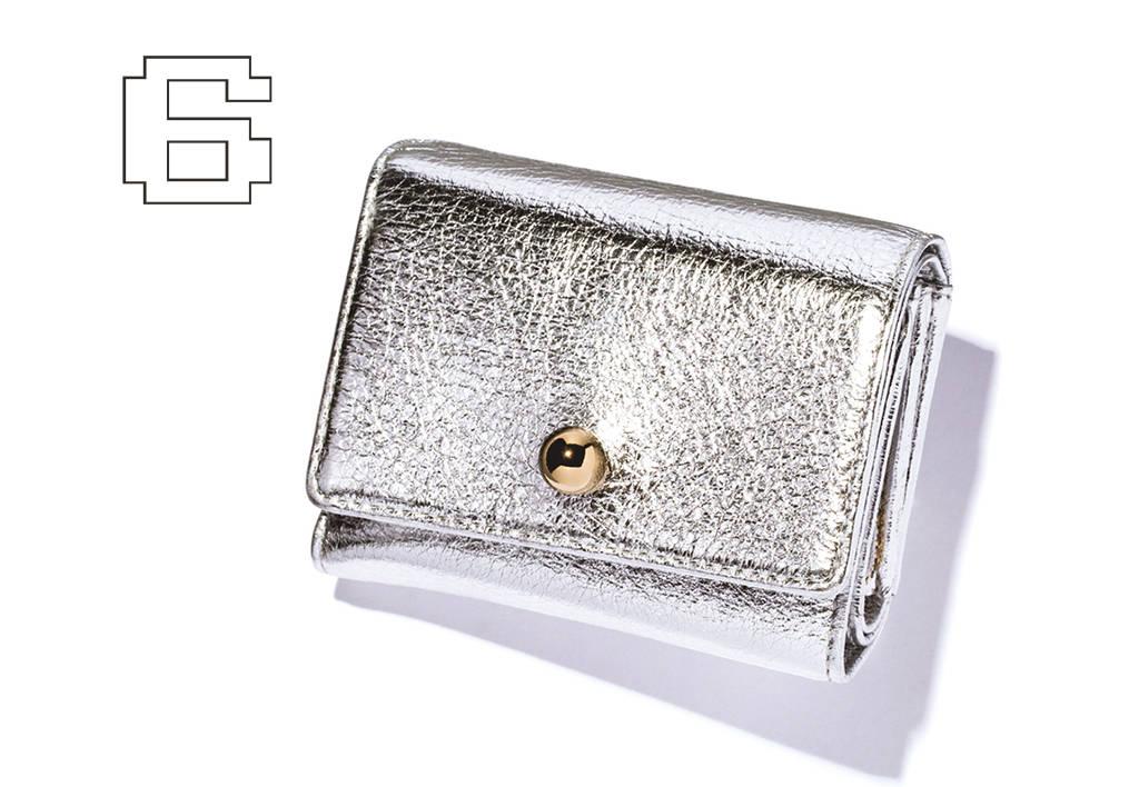♯06 人と被りがちなお財布をメタリックで一新!