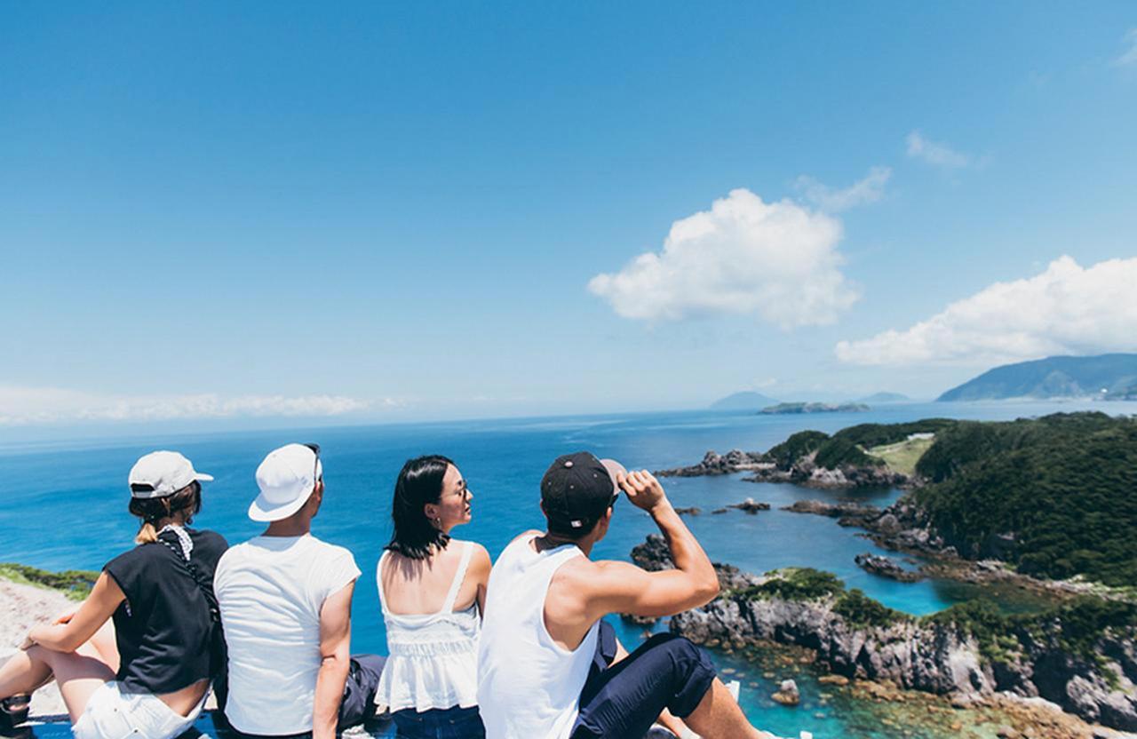 夏を満喫! 式根島の大自然とグルメを楽しむ旅のススメ [FRaU]
