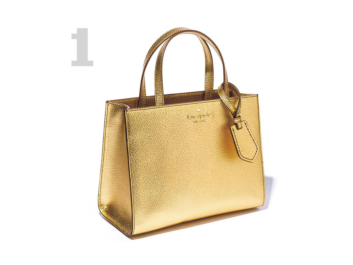 #01 夏カジュアルのテンション を上げるゴールドバッグ