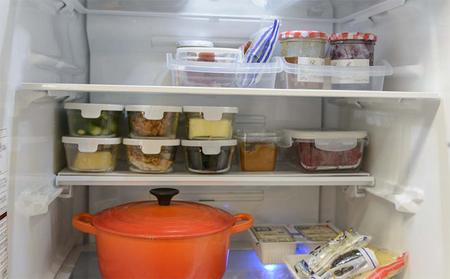 冷蔵庫をスッキリ片づける4つの法則 節電効果も!   [mi-mollet]