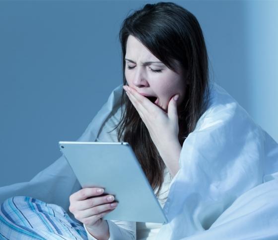 眠れない、寝つきが悪い……その睡眠不足が、老化やトラブルの原因に! [VOCE]