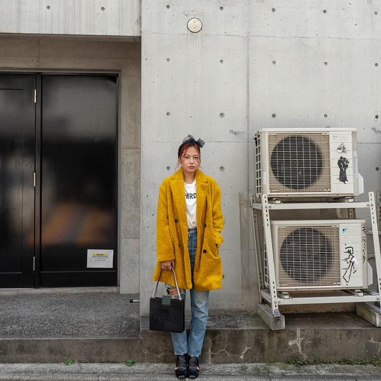 ZARAで見つけた、9250円で主役になれるアウターをデニムで着こなすコツ [ViVi]